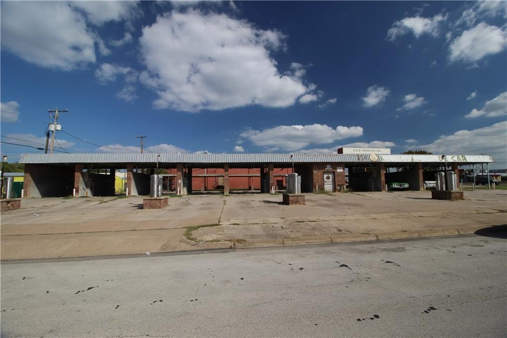 7720 Camp Bowie West W Boulevard - commercial- 10 bay car wash